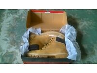Dickies Size 8 safety boots.
