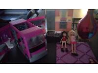 Bratz bundle van dolls genie lamp