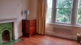 Huge and luxurious double room in fine period house, Central Location