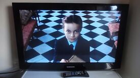 """Samsung 32"""" Freeview LCD Television"""