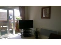 1-bed top-floor South-facing flat with balcony - Llanishen
