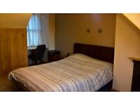 Spacious Double Room in Riverside House on Elgar Road