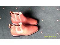 Anatomic Gel (Natal) Chelsea Boot Size 41