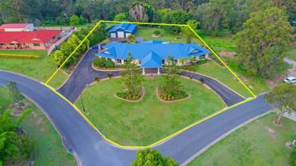 UNIQUE HOME WITH STUNNING FEATURES - BILLABIRRA PARK ESTATE
