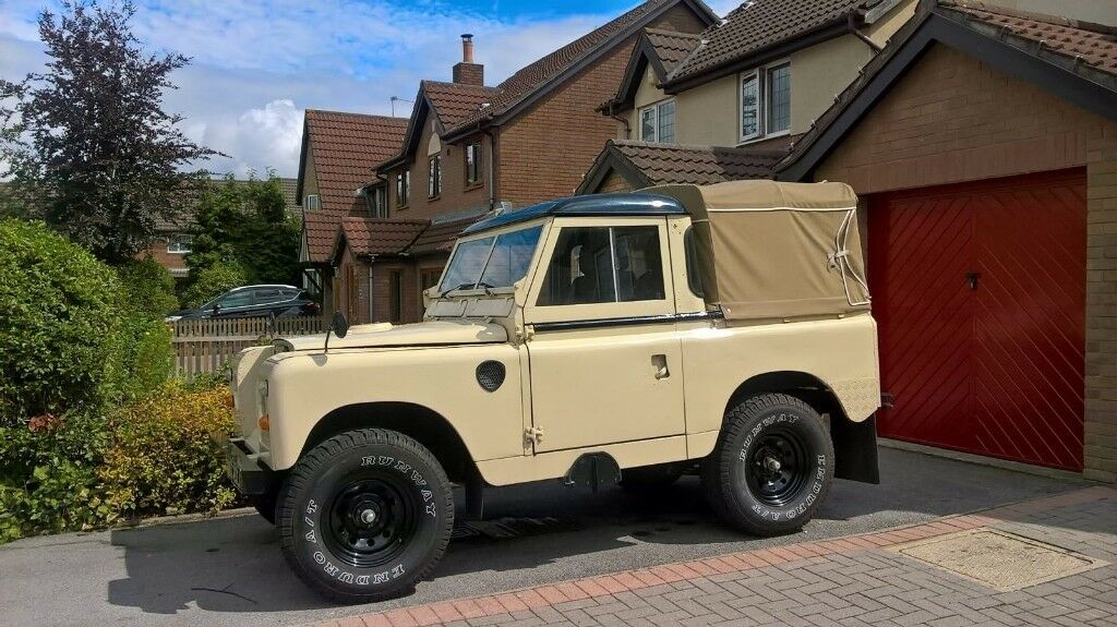 series 2 a land rover pickup in culverhouse cross. Black Bedroom Furniture Sets. Home Design Ideas