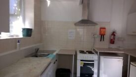 2 rooms available at 13 Malvern Terrace