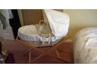 MOSES BASKET AND STAND by Mama and Papa's
