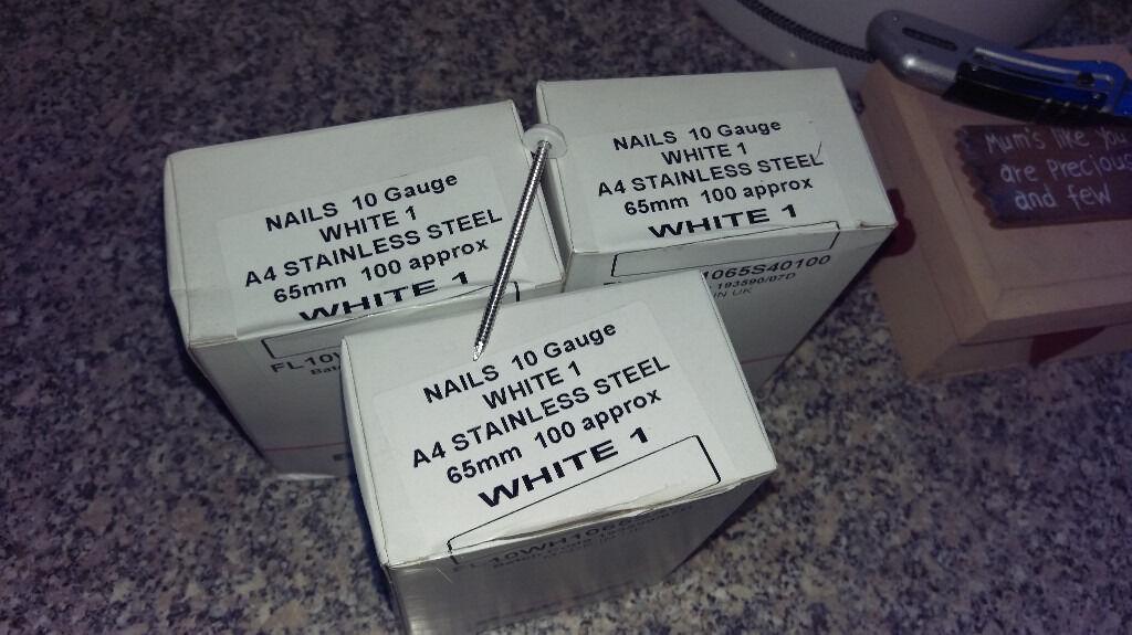 65mm WHITE POLYTOP FIXING NAILS