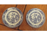 Willow Pattern 3 plates, 9 cups, 10 saucers