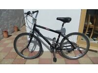 Trek Navigator 300 Hybrid bike 16.5inch frame in good condition
