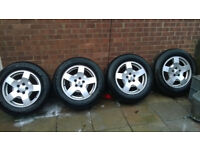 Landrover discovery 3 / 4 alloy wheels and excellent m + s tyres 255 60 18