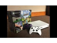 Xbox One S 500GB 2 Controllers 1 Game