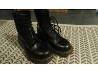 Original Dr Martens real leather boots female women's size 5 like new