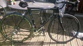 "Trek OCLV 5200 series Carbon fibre road bike. 22"" frame 18 gear"