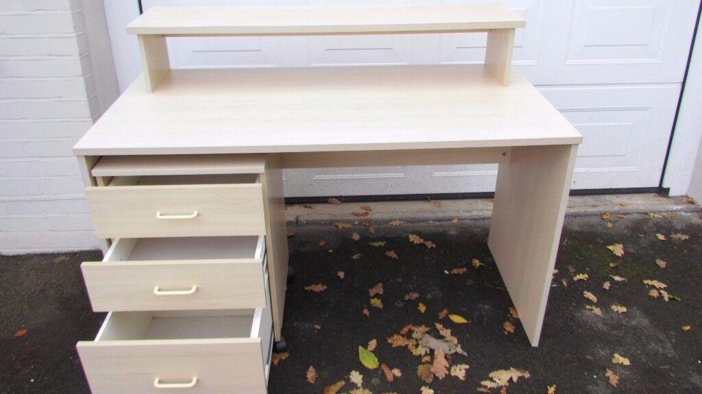 desk free-standing