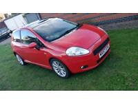 Fiat grand punto 1.4 tjet panoramic sun roof open verry fast and reliable