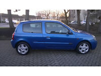 Renault Clio 1.2 in stunning blue low miles service history 2 keys