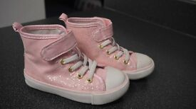 GIRLS PINK SPARKLY BOOTS