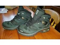 Salomon GORE-TEX walking boots Size 8