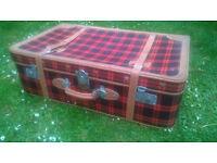 Vintage tartan travel case great for use or display etc HELSTON £15