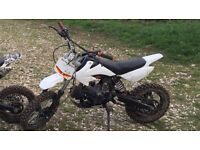 PIT BIKE 125cc SPARES OR REPAIRS. £200.. Chinese Pit Bike, non Runner, Possible carb issue