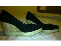Black wedges size 4 New Look good condition