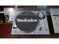 Technics 1200 Direct Drive : 2 available, both immaculate
