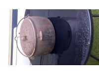 old 2 and half gallon cast iron pot