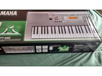 Yamaha YPT-340 Digital Electronic Keyboard