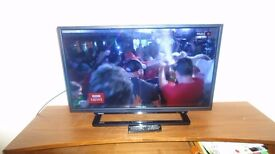 """TOSHIBA 32"""" HD LED TV WITH BUILT-IN DVD PLAYER"""