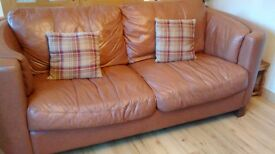 large Italian leather 3-2 suite