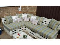 L shape pallet bench with cousions