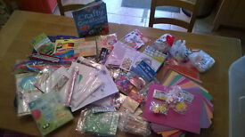 LARGE CRAFTS BOX BUNDLE WITH OVER £50 OF CRAFT ACCESSORIES INSIDE PLUS NEW BOOK ON CRAFT IDEAS
