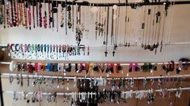 HUGE FASHION JEWELLERY JOB LOT - OVER 200 PIECES