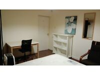 Spacious double bedroom in a Contemporary 4 Bedrooms Flat