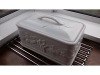 Country White Embossed Bread Bin