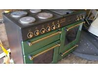 Large freestanding cooker