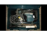 Makita HR4013C 110 V AVT Rotary Hammer SDS Max in a Carry Case rrp£799