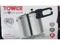 Brand new boxed 11litre pressure cooker