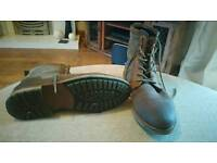 Size 10 Barbour leather boots