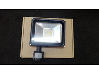 LED SECURITY LIGHT WITH PIR 50W