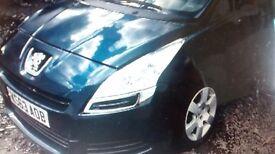 Peugeot 5008 1.6 HDI 2013 Damaged