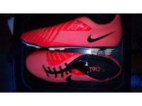 T90 football boots (size: 7.5 mens)