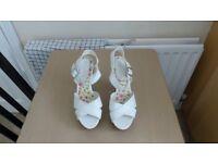 Ladies new Look white platform Sandals size 5