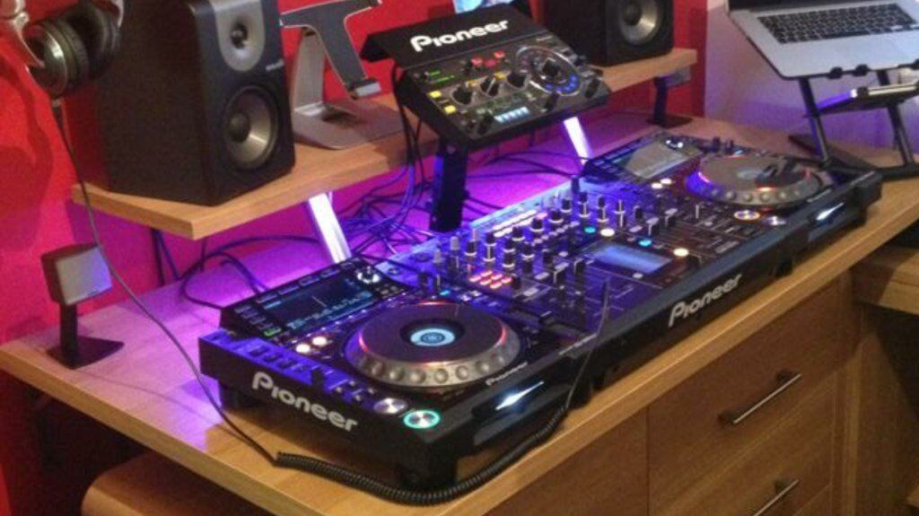PIONEER CDJ2000 NEXUS DECKS, DJM2000 MIXER, RMX1000 SPECIAL EFFECTS, PIONEER DIGITAL CABLES3200in Coatbridge, North LanarkshireGumtree - PIONEER CDJ2000 NEXUS DECKS, DJM2000 MIXER, RMX1000 SPECIAL EFFECTS, PIONEER DIGITAL CABLES, BRAND NEW ALL BOXED, READY TO USE VERY GOOD CONDITION COMES WITH RMX1000 PIONEER STAND PLUS A FEW EXTRAS FOR THE DECKS, £3200ono Contact 07809582718