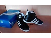 Adidas shoes black trainers