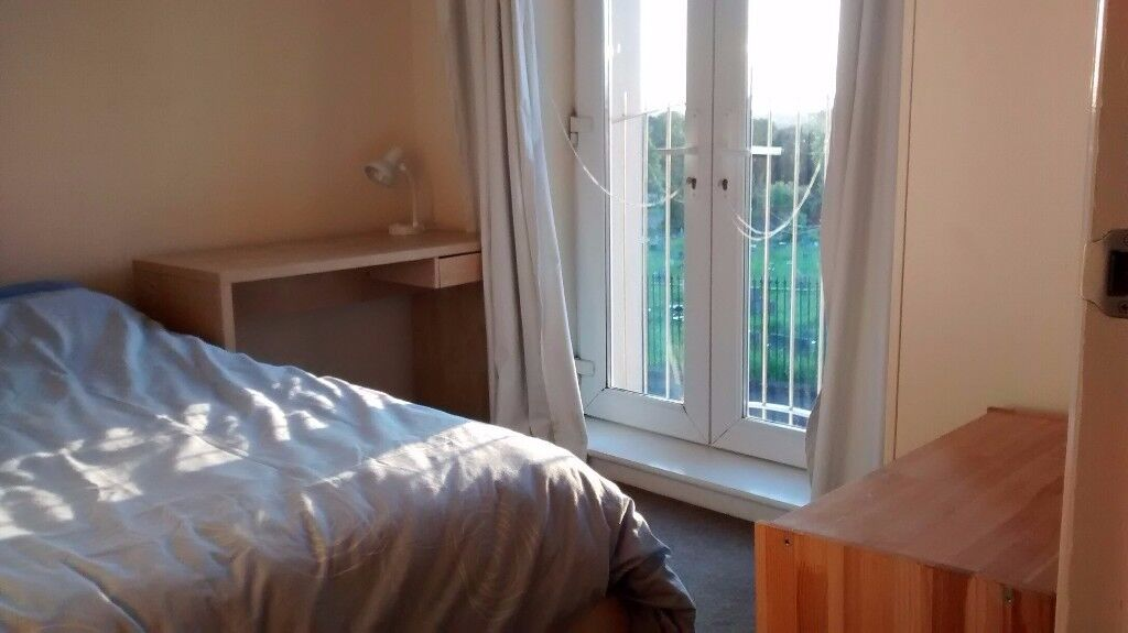 Comfortable double room in Greenbank: £410pm all bills included