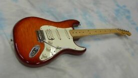 Fender Stratocaster HSS PLUS TOP