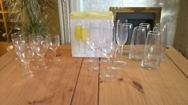 SET OF 6 GLASS CRYSTAL FLUTES (JOHN LEWIS)BOXED/SET 6 SMALL WINE GLASSES/SET 6 GLASS TABLE VASES +++