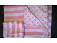 Pink and white single duvet cover and 1 pillowcase
